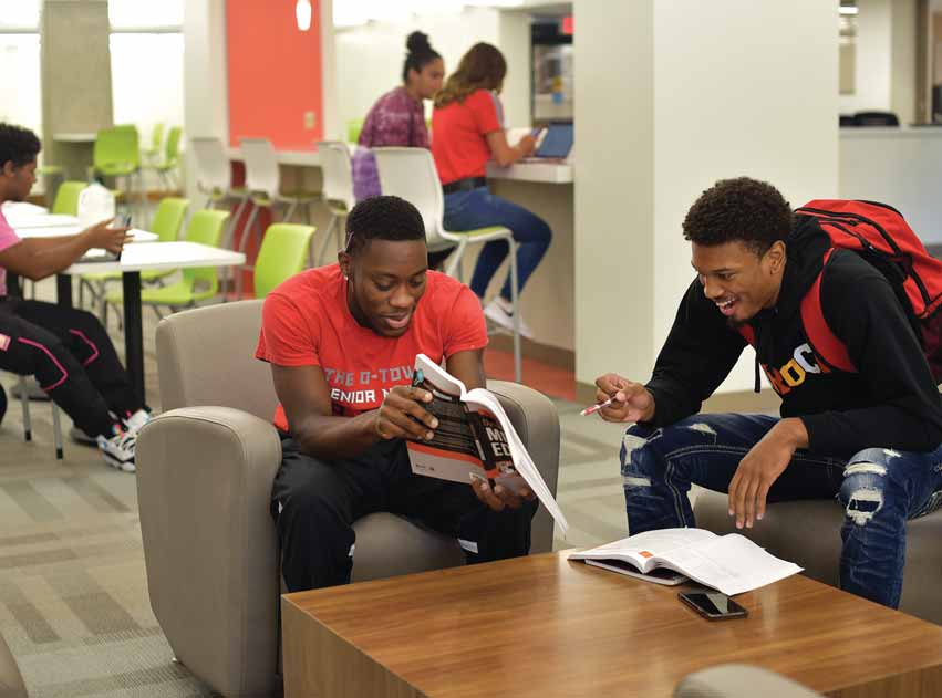 Roznowski Learning Commons Provides a Social Learning Experience for Students